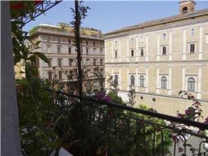 Rome Apartment Campo di Fiori