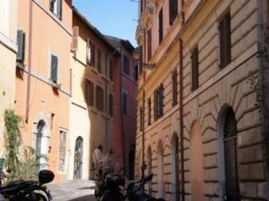 Via Peretti Pietro 24 in Trastevere