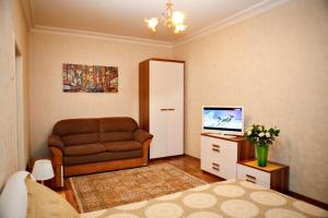 Apartment on Sheronova 99