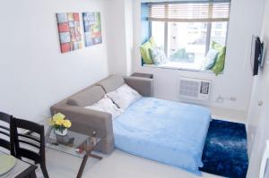 Bright One-Bedroom Next To Greenbelt