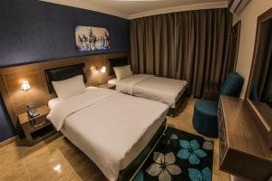 (Ibiza Hotel)