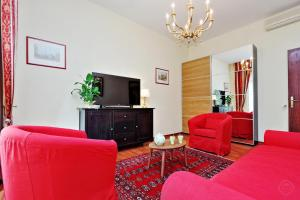 Merulana City Center Apartment