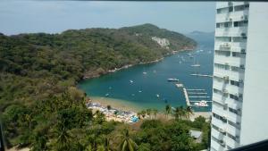 Torre Blanca Diamante Acapulco