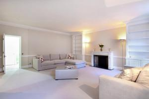 The lounge or bar area at London Lifestyle Apartments - Belgravia - Style