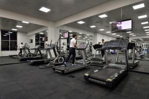 Palestra o centro fitness di Oaks Liwa Heights Hotel Apartments