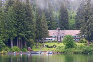 Picture of Lake Quinault Lodge