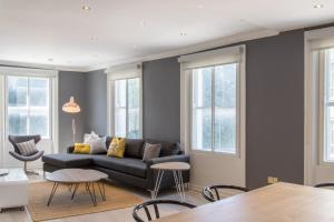A seating area at The Dawson Suite Apartments on St. Stephens Green
