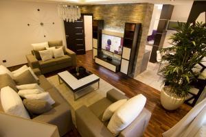 Elegance - City Break Apartments