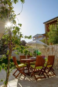 Two-Bedroom Apartment in Okrug Gornji II