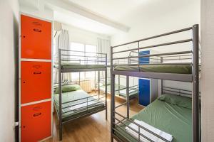 بيوت شباب مدريد موشن (Madrid Motion Hostels)