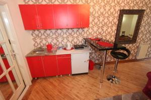 Apartment 45