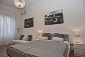 House and the City - Prati Family Apartment