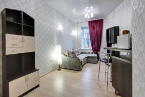 Apartment on Razyezzhaya 44