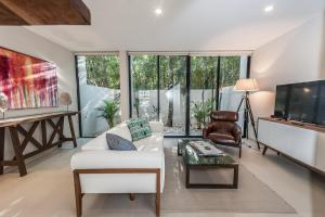 Eco villa-privacy-security-family friendly 2 bedrooms