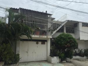 Departamento Amueblado en Caleta - A