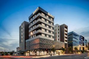 condo hotel quest dandenong central australia. Black Bedroom Furniture Sets. Home Design Ideas