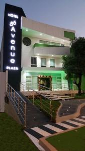 Hotel 56 Avenue Plaza