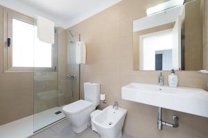 A bathroom at Balcón de Telde
