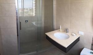 Depto Frente al Mar - Piscina - 2Hab c/u con baño privado