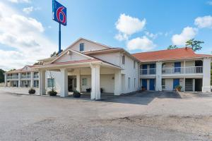 Picture of Motel 6 Livingston Texas