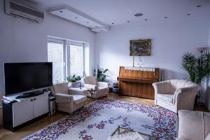 Apartment Tilevi