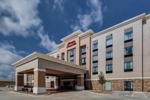 Hotel Hampton Hilton Wichita Airport Ks Booking Com