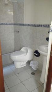 Un baño de Water Park Apartment