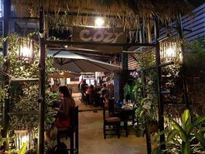 Cozy Guesthouse Restaurant & Bar