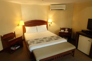 El Cielito Inn - Makati