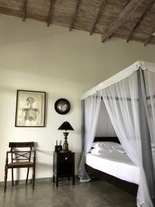 Etamba House