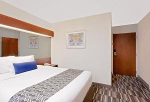 Picture of Microtel Inn & Suites by Wyndham Middletown