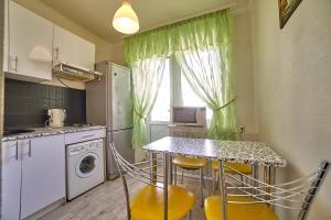 (Apartment on Semashko 100)