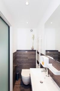 A bathroom at ItalianFlat - Strand