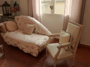 A seating area at La Farigoule