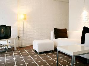 A seating area at Ferienwohnung in Hamburg West