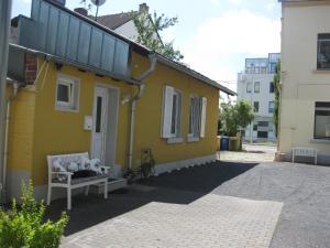Ferienhäuschen (Appartement Nähe Telekom)