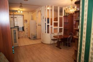 Apartment on Fonarnyy pereulok 3