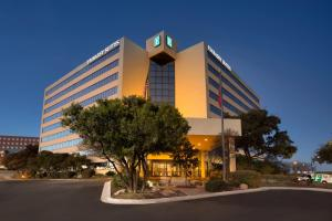 Hotel Embassy Suites San Antonio Airport Tx Booking Com
