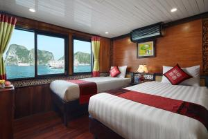 Peace Charm Cruise