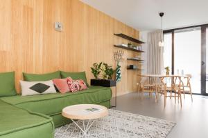 A seating area at Kith & Kin Boutique Apartments