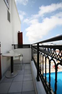 A balcony or terrace at Iliovasilema