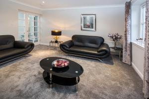 A seating area at Dunedin Apartments