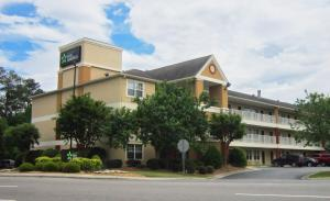 Picture of Extended Stay America - Fayetteville - Owen Dr.