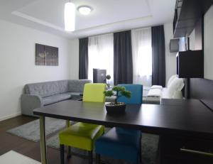 A blok Apartments