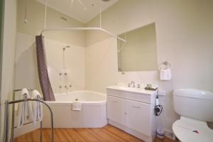 A bathroom at Ballarat Station Apartments