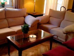 A seating area at Setefilla