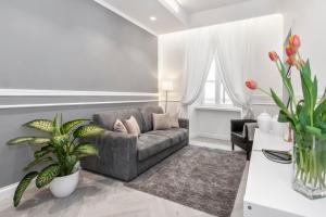 A seating area at Trevi Apartment