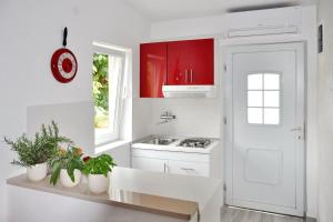 Apartment Red Valentino