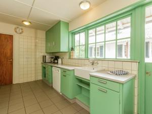 Een keuken of kitchenette bij Holiday home Snippenoord 1