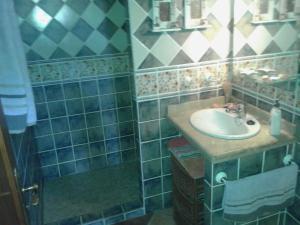 A bathroom at El Pescador